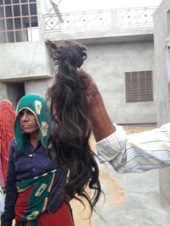 عصابة منجمين في الهند تتسلل إلى المنازل وتقص شعر وأذن أصحابها