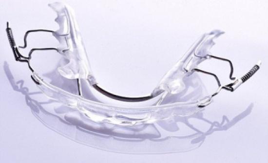 ودع تقويم الأسنان التقليدي.. هذه الطريقة الأسرع والأرخص لابتسامة مثالية