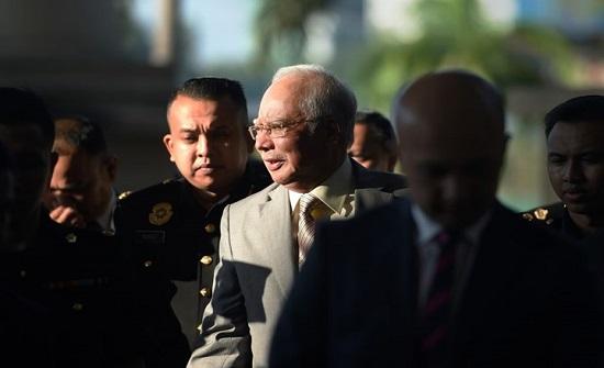 """محكمة ماليزية تدين نجيب عبد الرزاق بتهمة """"خيانة الأمانة"""""""