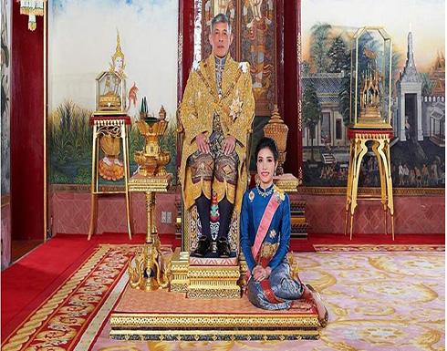 """صراع """"الحريم"""".. تسريب 1400 صورة """"عارية"""" لعشيقة ملك تايلاند"""