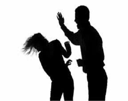 فنانة ستار أكاديمي تنشر صورها بعد تعرضها للتعنيف الجسدي: زوجى ضربني أنا وأمي