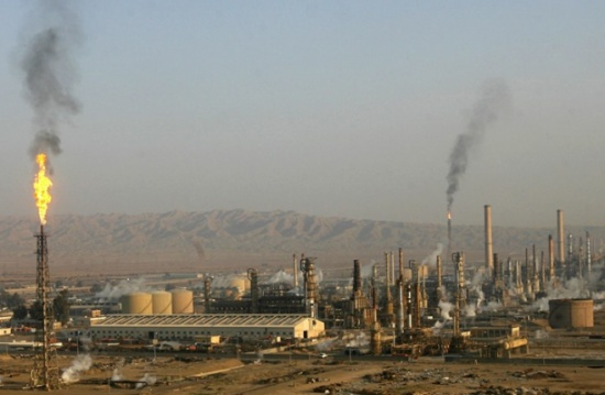 قتيل وجرحى بهجوم على موظفين بمصفاة نفط شمالي العراق