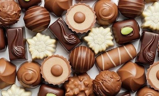 """عشاق الشوكولاتة أمام """"فرصة العمر"""".. تذوق واحصل على راتب"""