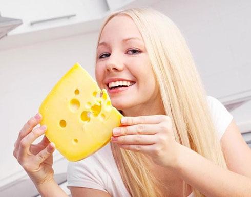 لتجنب السكتات الدماغية.. تناولوا الجبن باستمرار