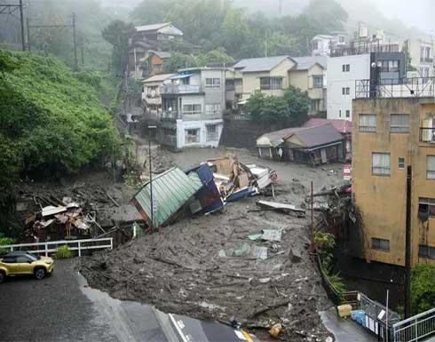 قتيلان و20 مفقودا في انهيار طيني ضخم وجرف منازل في اليابان .. بالفيديو