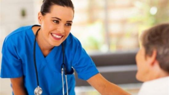 توقيف ممرضتين متورطتين بممارسة الرذيلة مع المرضى