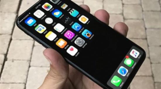 أبل قد تطلق آي فون 8 بشاشة منحنية