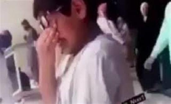 رد فعل طفل رأى الكعبة لأول مرة (فيديو)