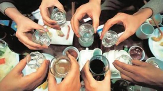 منظمة الصحة العالمية: الأوروبيون يشربون ويدخنون أكثر من غيرهم