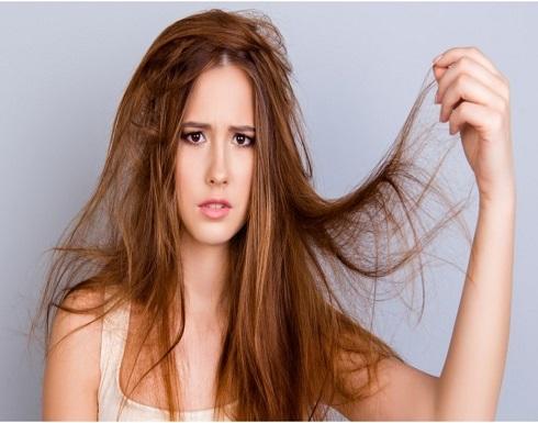 احذري.. هذه العادات تدمّر شعركِ