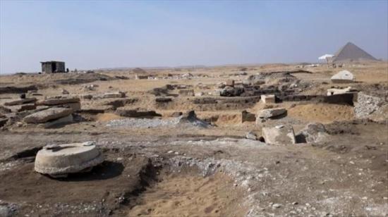 العثور على 8 مومياوات فرعونية قرب هرم مصري