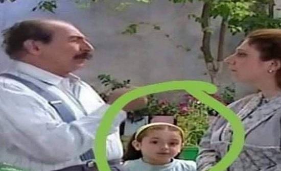 الطفلة في هذا المشهد أصبحت ممثلة شهيرة... من تتوقعون؟