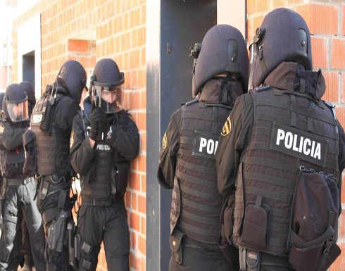 إسبانيا.. الشرطة تطلق النار على رجل هاجم أحد مراكزها