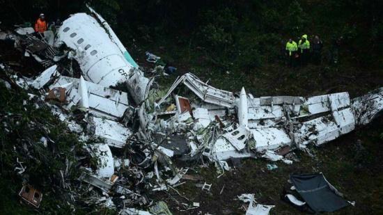 ما السرّ وراء نجاة 5 من ركاب الطائرة البوليفية رغم تحطمها بالكامل؟
