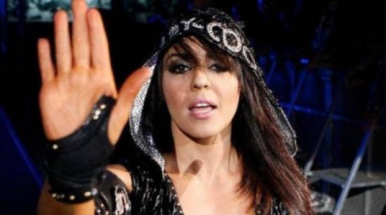 """بالصورة: بطلة الـ""""WWE"""".. من المصارعة الحرة إلى....!"""