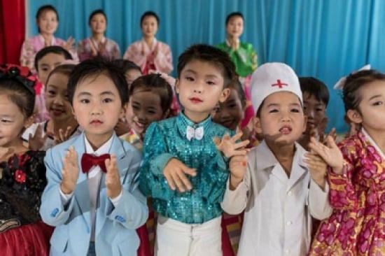 في 10 صور.. تعرف على الوجه الآخر لدولة الديكتاتور كيم جونغ أون