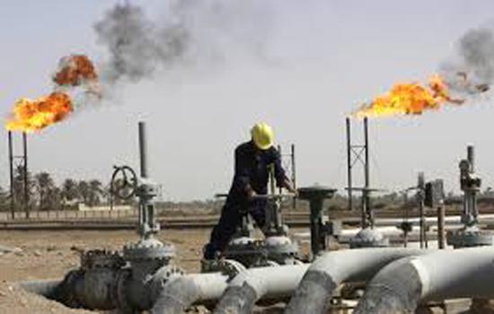 مكاسب أسبوعية بـ5% تدفع النفط قرب 48 دولاراً