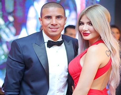 زوجة محمد زيدان تثير الجدل بإطلالة جريئة برفقته في احد المناسبات .. شاهد