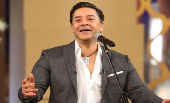 صورة نادرة.. مدحت صالح يغني في فرح زوجته السابقة