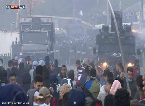 جرحى في الاشتباكات بين الشرطة ومحتجين في الجزائر