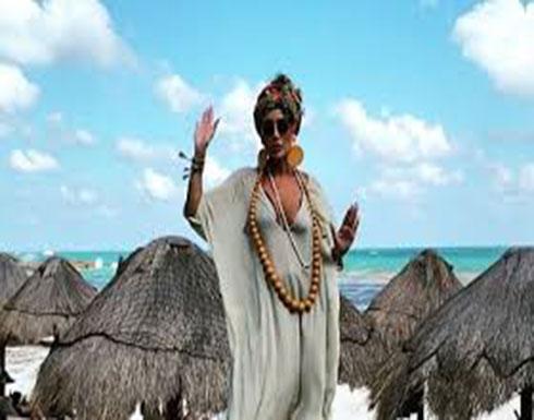 شاهدوا رقص مايا دياب على أحد شواطئ المكسيك (فيديو)