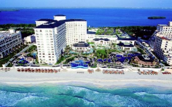 78 ألف دولار في 6 أشهر لموظف يجلس على الشاطئ بالمكسيك
