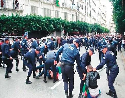 انتخابات الجزائر : مؤشرات أولية تظهر تقدم تبون وتظاهرات معارضة وتحطيم صناديق اقتراع في منطقة القبائل