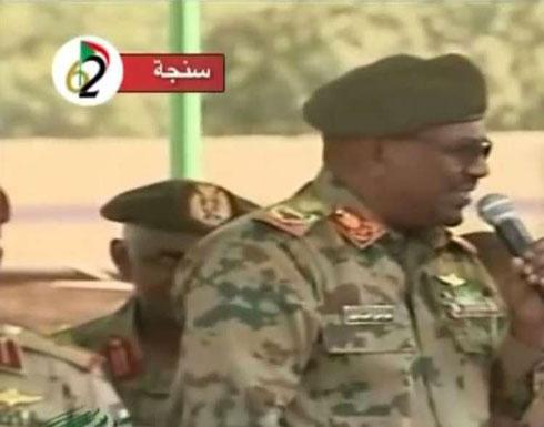 شاهد . . البشير في خطاب حماسي بالزي العسكري: كلنا نتوق للشهادة.
