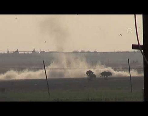 """شاهد : المدفعية التركية تقصف الأهداف الإرهابية في """"تل أبيض"""" السورية"""