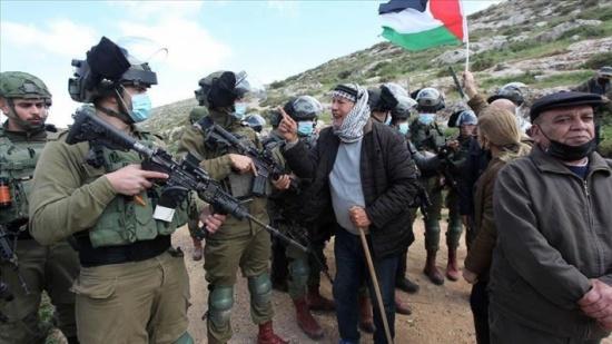 الجيش الإسرائيلي يفرّق مسيرات أسبوعية منددة بالاستيطان في الضفة