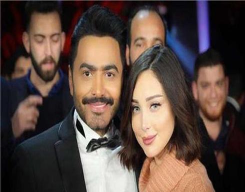 بالفيديو .. هدية تامر حسني لبسمة بوسيل في عيد الحب: ورد وبلالين حمراء