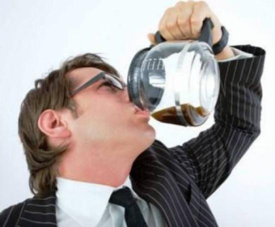 إدمان القهوة خطر صحي حقيقي.. اليك الحل!