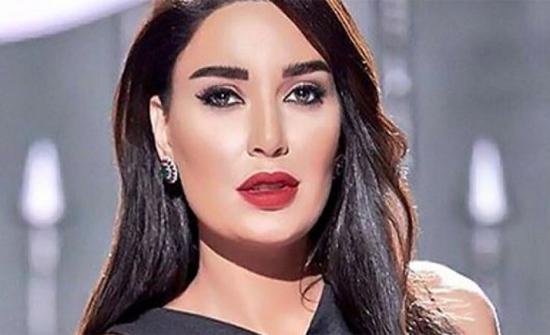 تنورة قصير.. سيرين عبد النور بإطلالة أنثوية على إنستجرام
