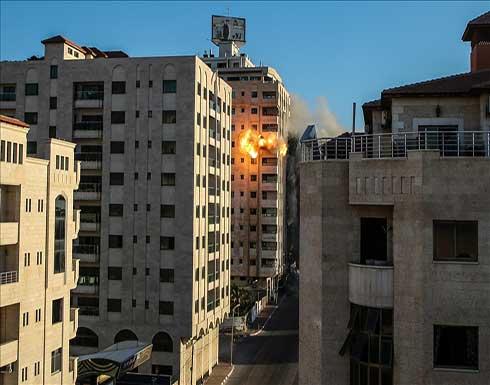 طائرات إسرائيلية تدمر مقري وزارتي العمل والتنمية الاجتماعية بغزة