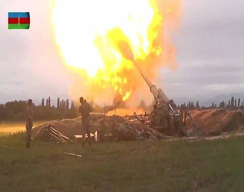 شاهد : الدفاع الأذربيجانية تستخدم مدفعية في معارك قره باغ