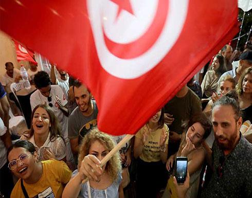 رئاسيات تونس بين القانوني المحافظ والرأسمالي السجين