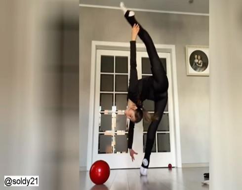 شاهد : نجمة جمباز روسية تظهر شيئا غريبا في بنيتها الجسدية