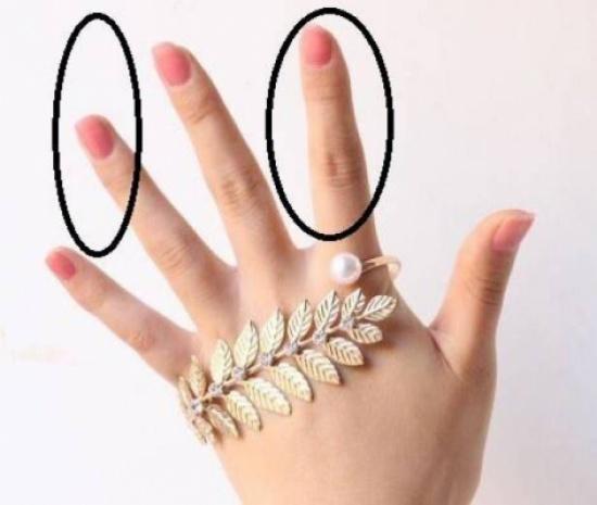"""ماذا يقول طول إصبعي """"السبّابة"""" و""""البنصر"""" عنكم؟"""
