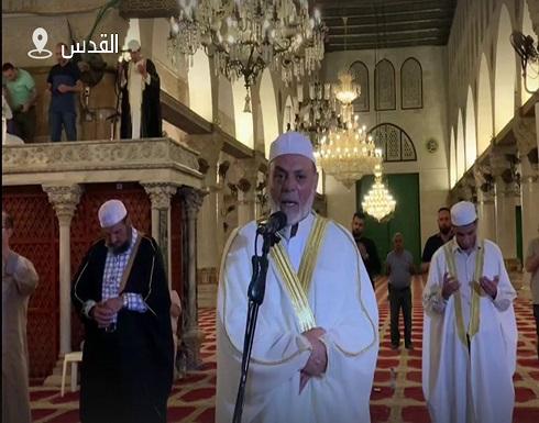 شاهد : إحياء ليلة القدر في المسجد الأقصى
