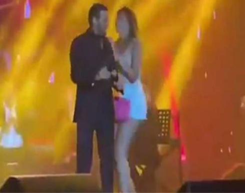 فيديو : موقف محرج لكاظم الساهر خلال حفله في لبنان.. كيف تعامل معه؟
