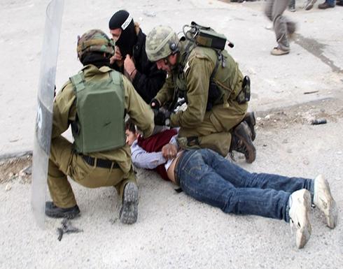 الاحتلال يعتقل فلسطينيين باقتحامات بالضفة والقدس .. بالفيديو