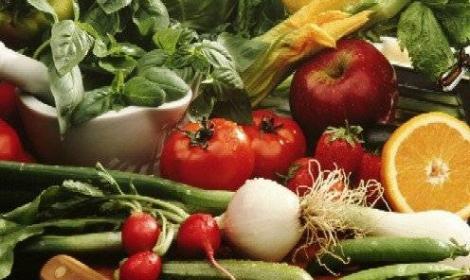 4 أطعمة تخلصك من سموم الجسم