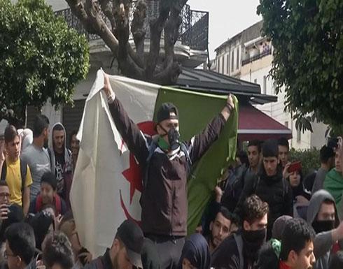معارضة الجزائر تطالب برحيل النظام وبدء مرحلة انتقالية