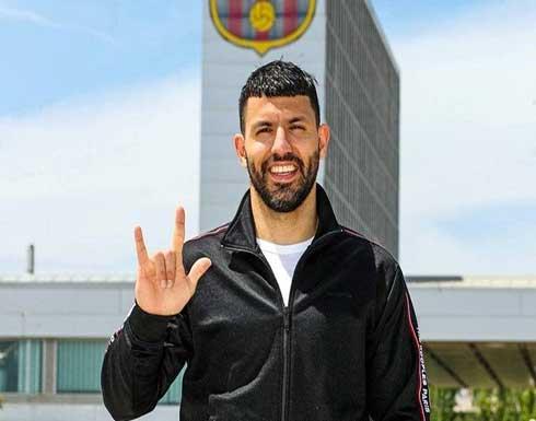 """برشلونة يتعاقد رسميا مع أغويرو """"الهداف التاريخي"""" للسيتي"""