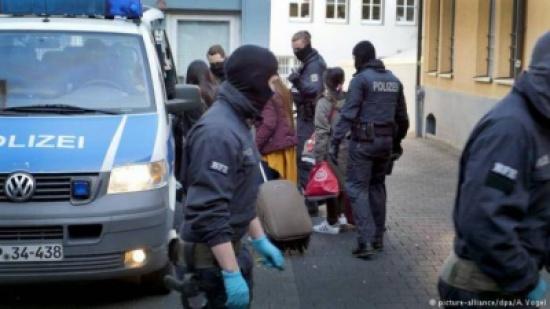 الشرطة الألمانية تشن أكبر حملة في تاريخها ضد شبكة دعارة