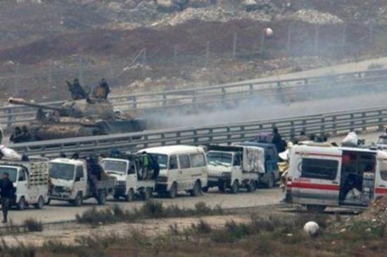 تعليق عمليات الإجلاء من حلب وسط خلاف حول إجلاء مصابين من قريتين