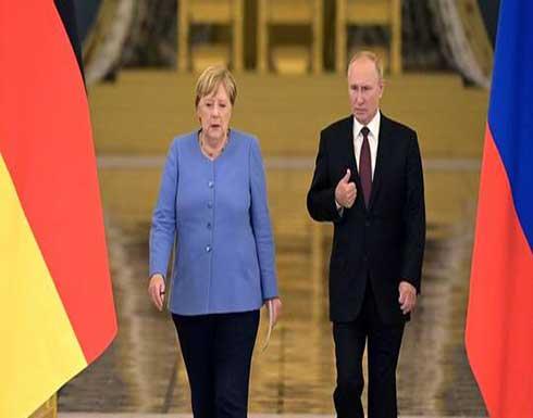 ميركل تدعو بوتين لاطلاق سراح المعارض نافالني و تمديد اتفاق نقل الغاز مع أوكرانيا