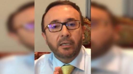 بالصورة- فيصل القاسم يستشيط غضباً وقهراً بعد اسقاط طائرة اف-16 اسرائيلية.. وهذا ما قاله!