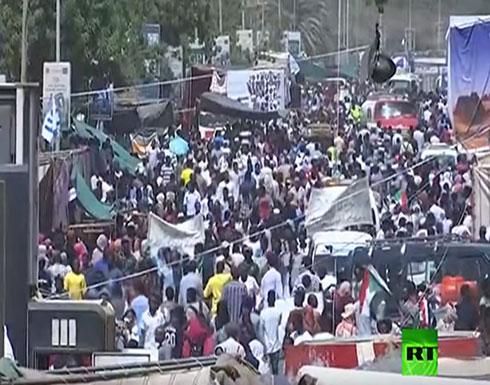 """بالفيديو : مسيرات احتجاجية بـ""""مليونية تسليم السلطة"""" بالخرطوم"""