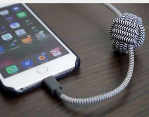 رسالة مهمة.. لماذا يهتز هاتف أيفون عن توصيلة بـUSB
